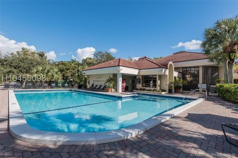 Photo of 2445 Sw 18th Ter Apt 215, Fort Lauderdale, FL 33315