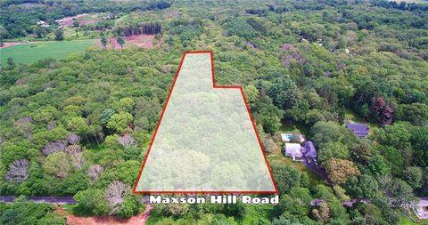 Maxson Hill Rd, Hopkinton, RI 02804