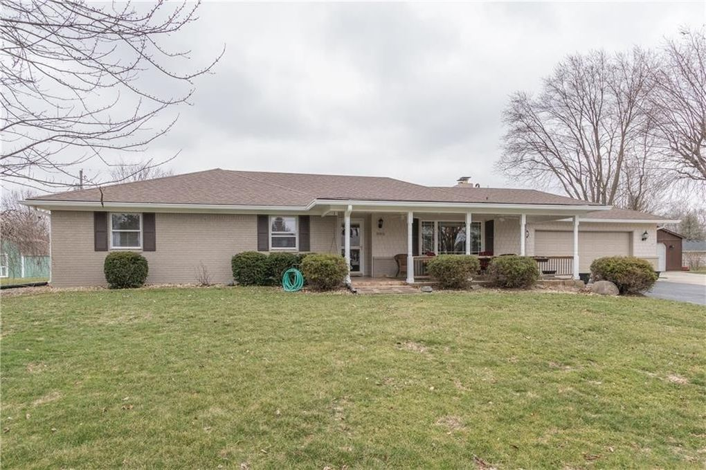 885 N Broadway Dr, Plainfield, IN 46168