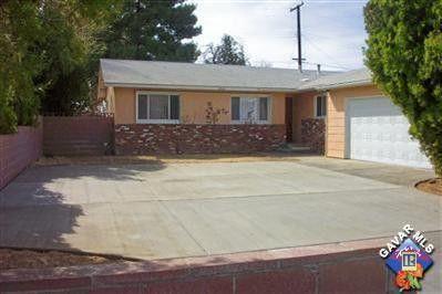 2068 Alexander Ave, Rosamond, CA 93560