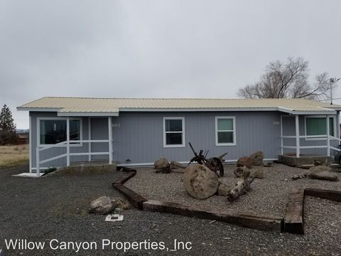 Photo of 893 Nw Commercial St, Madras, OR 97741