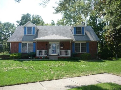 10170 Colwell Ave, Allen Park, MI 48101
