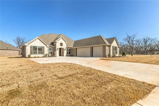 6301 Weatherby Rd, Granbury, TX 76049
