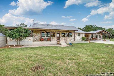 Photo of 317 Zoeller Ln, Boerne, TX 78006