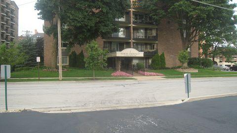Photo of 1 N Chestnut Ave Apt 2 B, Arlington Heights, IL 60005