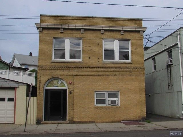 391 Paterson Ave, East Rutherford, NJ 07073