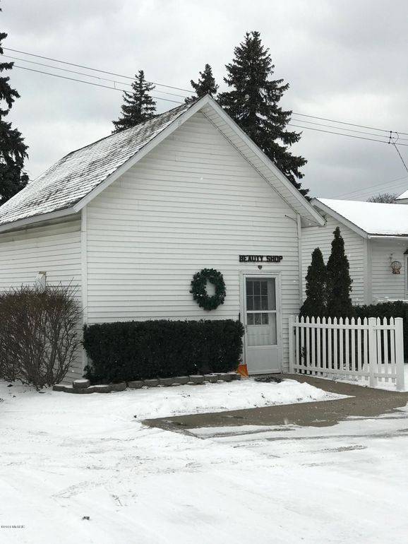 315 Fifth St, Manistee, MI 49660