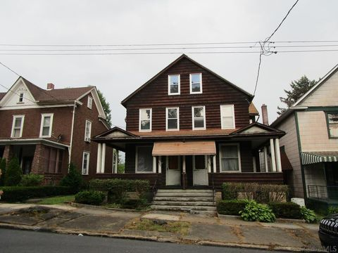 Photo of 653 Cypress Ave, Johnstown, PA 15902