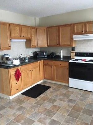 206 Fairview Ave Unit 3, Chicopee, MA 01013