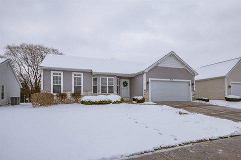 6436 Redenbacher St, South Bend, IN 46614