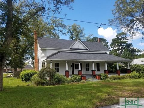 Photo of 660 Morris St, Glennville, GA 30427