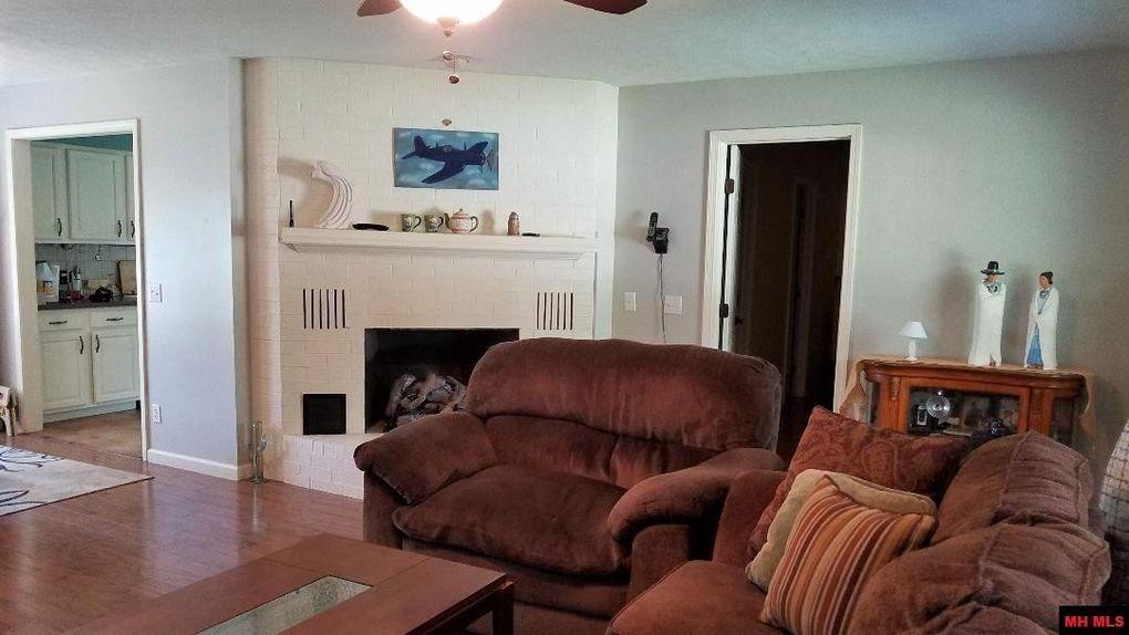 1723 Surrey, Mountain Home, AR 72653