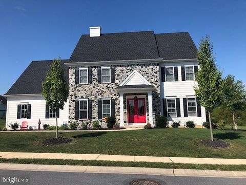 339 Royal Hunt Way, Lancaster, PA 17601