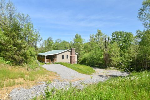 Photo of 1100 Sugar Creek Rd, Lancaster, KY 40444