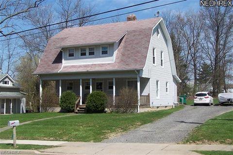 15976 Pierce St, Middlefield, OH 44062