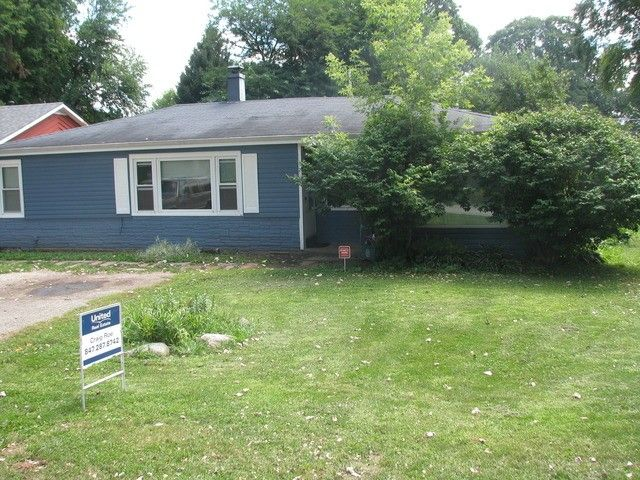 21 Grant Ave Lake in the Hills, IL 60156