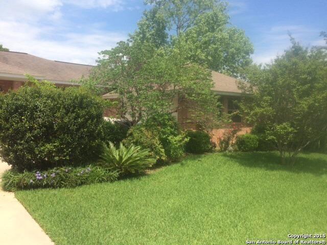 356 Crownhill, Pleasanton, TX 78064 - realtor.com®