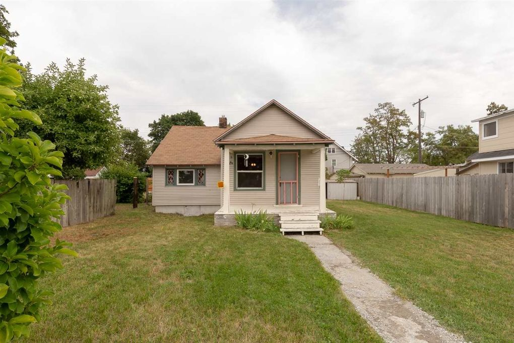 4008 N Lincoln St, Spokane, WA 99205