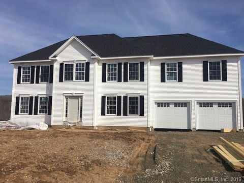 Photo of 26 Northview Dr, Guilford, CT 06437