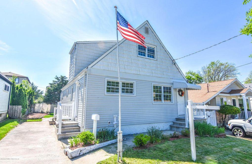 38 Suffolk Ave Staten Island, NY 10314