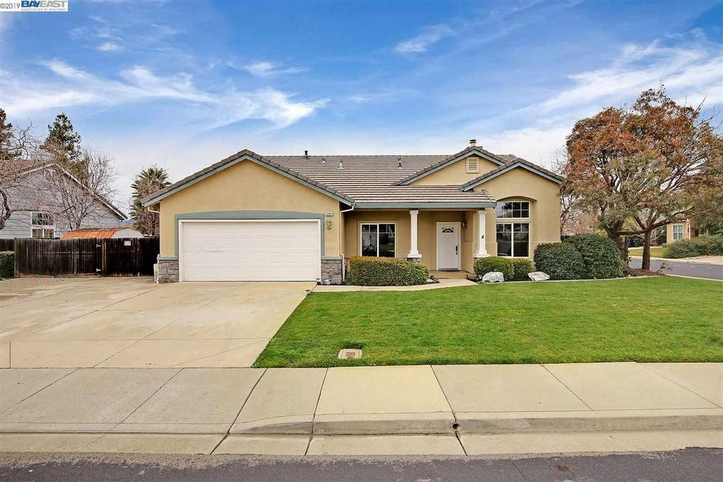 5494 Arrowhead Ct, Livermore, CA 94551