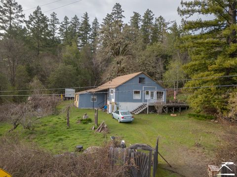 Photo of 272 W Coast Rd, Redway, CA 95560