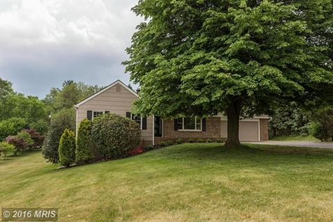 705 Ivy Hill Rd, Hunt Valley, MD 21030