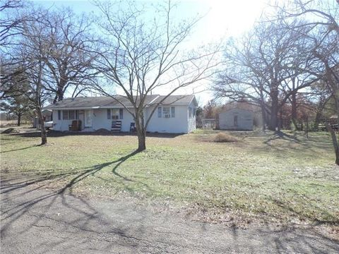 Photo of 444 County Road 2040, Klondike, TX 75448
