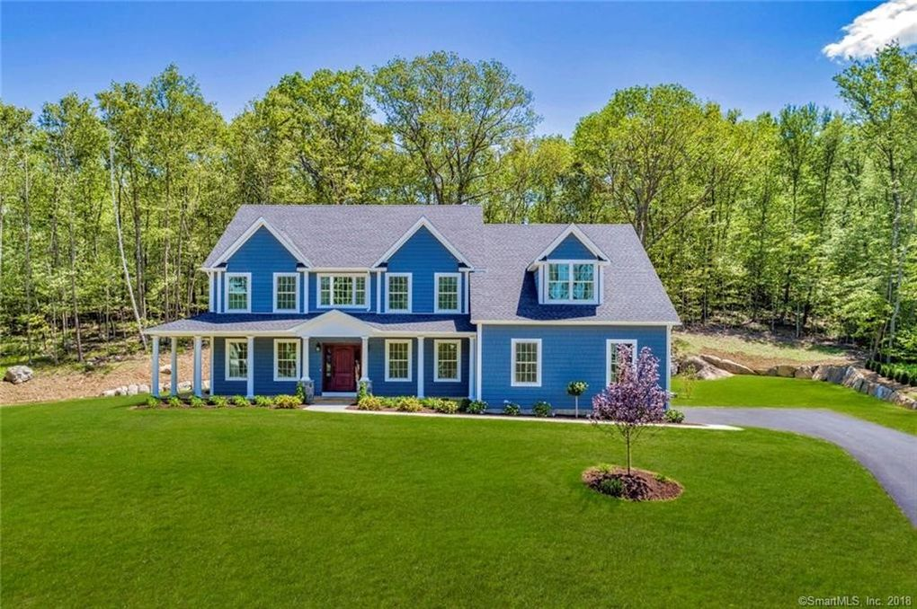 3 Madeline Dr, New Fairfield, CT 06812