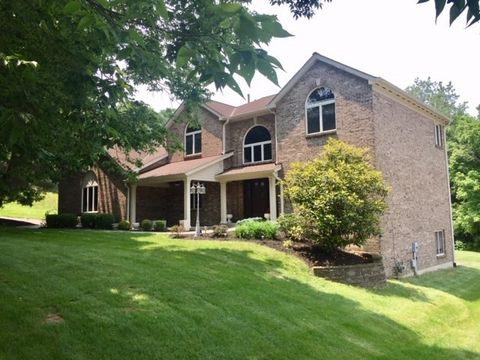 Photo of 8205 Woodcreek Dr, Florence, KY 41042