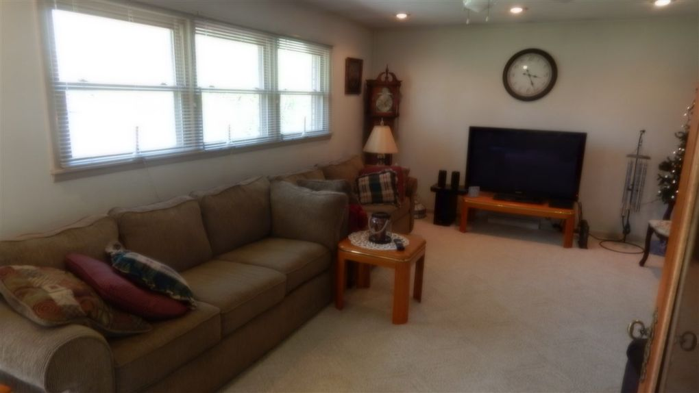 121 Red River Rd, New Castle, IN 47362