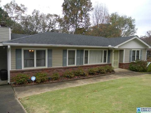 233 5th Ave Nw, Graysville, AL 35073