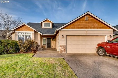 795 Meadowlawn Pl, Molalla, OR 97038