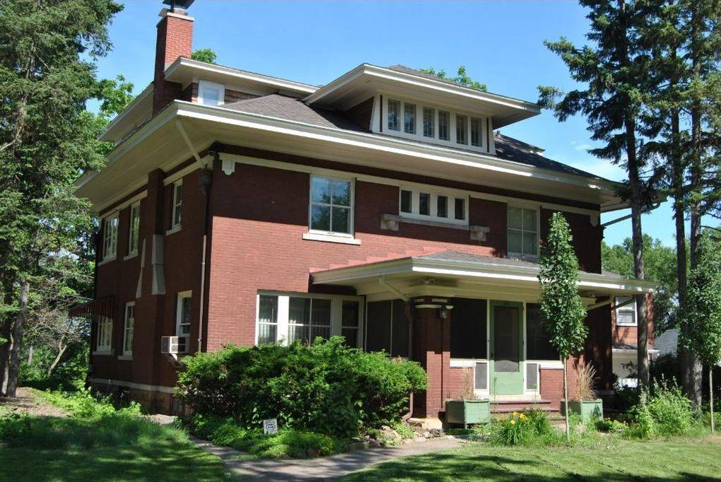 Menomonie real estate find homes for sale in menomonie for Find builders