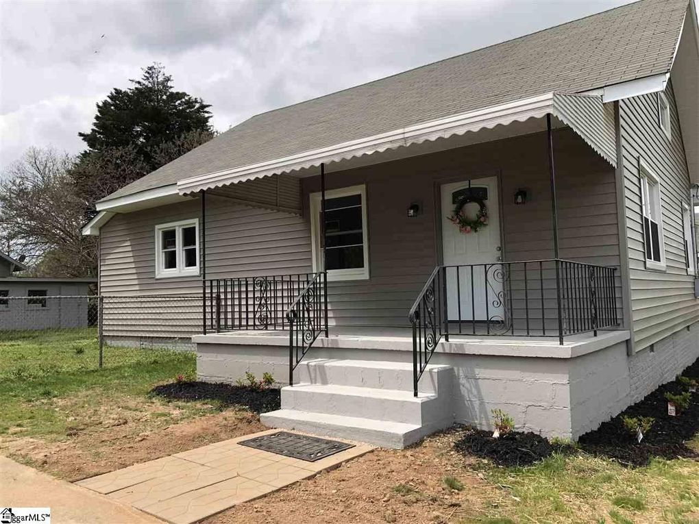 206 S 4th St, Easley, SC 29640