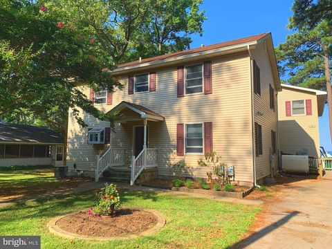 Photo of 18213 River Rd, Tall Timbers, MD 20690