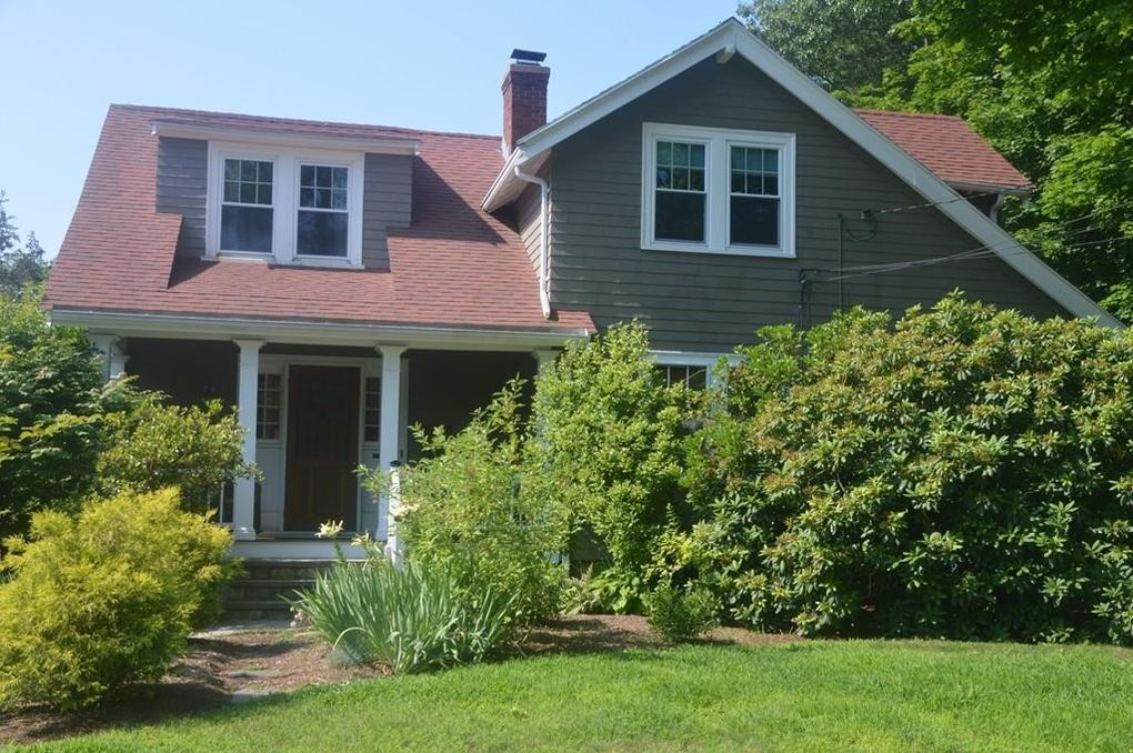 78 Walnut St, Needham, MA 02492