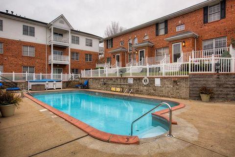 Photo of 977 W 1st St, Owensboro, KY 42301