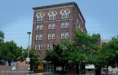 Photo of 17 W Ross St, Wilkes Barre, PA 18701