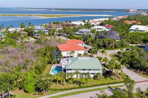 Photo of 940 Sand Dune Dr, Marco Island, FL 34145