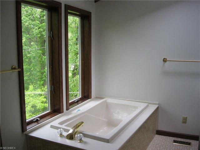Bathroom Remodel Zanesville 2015 dunzweiler dr, zanesville, oh 43701 - realtor®