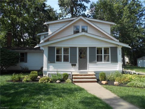 Photo of 2750 Wagar Rd, Rocky River, OH 44116