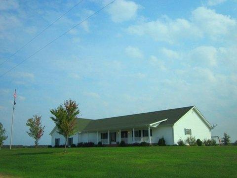 1320 Grumley Rd, Norris City, IL 62869