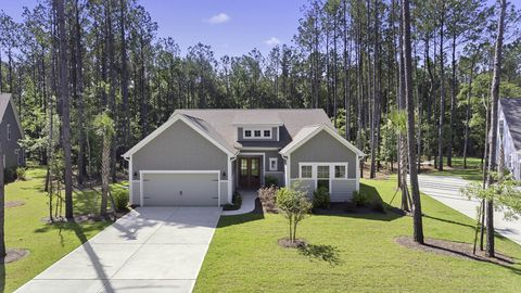 Photo of 117 Beam St, Huger, SC 29450