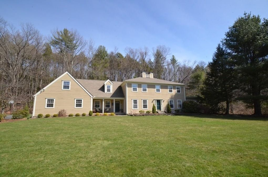 23 Indian Pipe Ln, Amherst, MA 01002