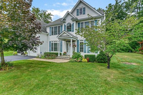 Stupendous Dutchess County Ny Real Estate Homes For Sale Realtor Com Home Remodeling Inspirations Genioncuboardxyz