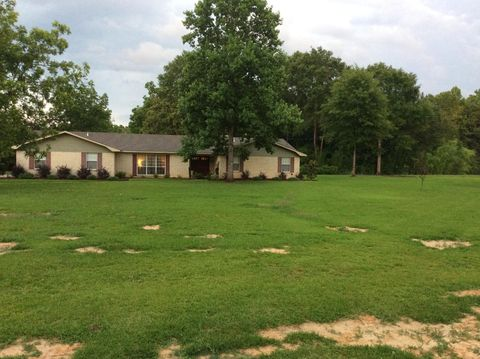 Photo of 1003 Pine St, Taylorsville, MS 39474