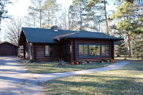 Photo of 823 Main Ave N, Park Rapids, MN 56470