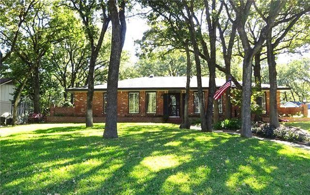 3703 Lynnwood Dr Arlington, TX 76013
