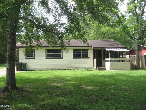 Photo of 3712 Dale Ln, Moss Point, MS 39563